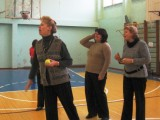 С.Г. Назарова - завуч начальной школы 667 в первых рядах на занятиях физкультурой