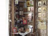 иконостас в деревенском доме