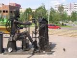 памятник строителям г.Сургута