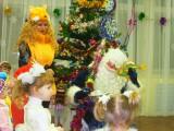 Лисичка на новогоднем празднике в младшей группе