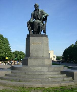 Памятник Грибоедову в Санкт-Петербурге (Пионерская площадь, возле ТЮЗа) - Любовь Валентиновна Колганова
