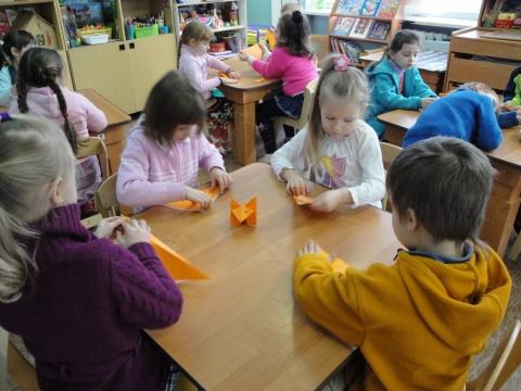 Занятия по конструированию из бумаги. Оригами `Лиса` 2 подготовительная группа. - ГБДОУ №85