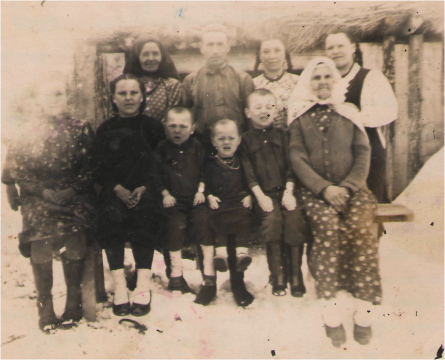 Семья дяди. (д. Мута-Елга) - Алла Михайловна Насретдинова