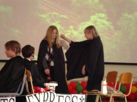Выступаем - Государственное бюджетное общеобразовательное учреждение средняя общеобразовательная школа 327 Невского района