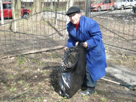 Иванов Евгений Алексеевич, житель соседнего дома - школа №34