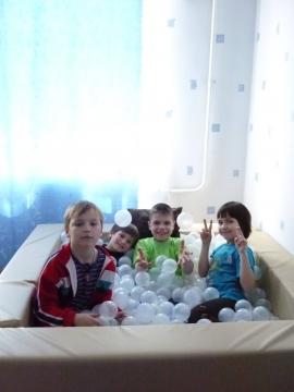Сухой бассейн - Государственное бюджетное общеобразовательное учреждение  для детей-сирот и детей, оставшихся без попечения родителей, школа-интернат №24 Невского района Санкт-Петербурга