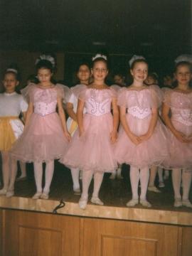 Маленькие танцовщицы - ГОУ школа № 589 Санкт - Петербурга