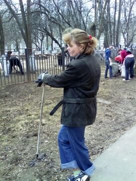 Анна Арьевна на субботнике - Зоя Владимировна Лысенко