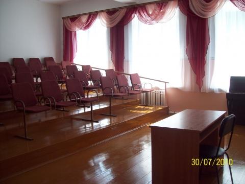 Наш актовый зал - Вера Геннадьевна Скворцова