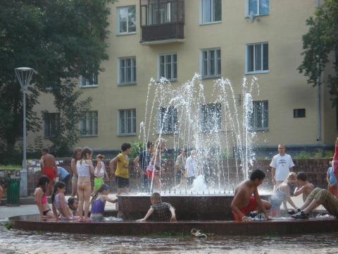 купание в фонтане - Ирина Алексеевна Корчагина