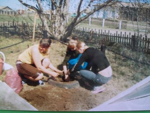 Благоустройство обелиска - Муниципальное общеобразовательное учреждение Усть-Уйская средняя общеобразовательная школа