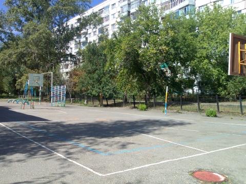 Спортивная площадка школы - МОУ `Средняя общеобразовательная школа №14` г. Пензы