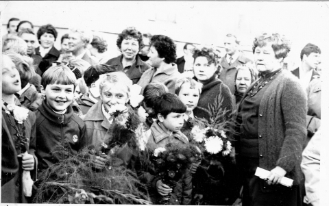 1 сентября 1983 год - Средняя общеобразовательная школа 557 www.spb-school557.ru