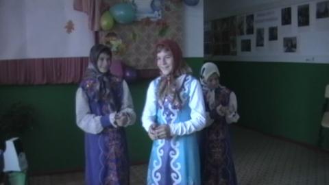 Три девицы под окном - Муниципальное общеобразовательное учреждение ` Дмитриевская основная общеобразовательная школа`