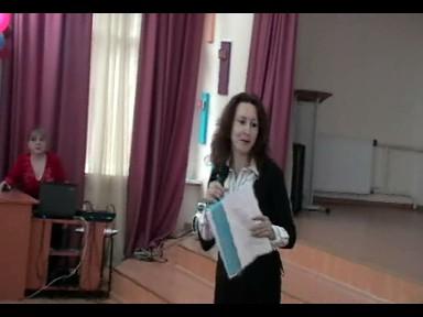 Ведущая пресс-конференции О.О.Демчук - Средняя школа № 13 с углублённым изучением английского языка
