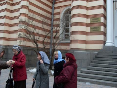 У синагоги - Средняя школа № 13 с углублённым изучением английского языка
