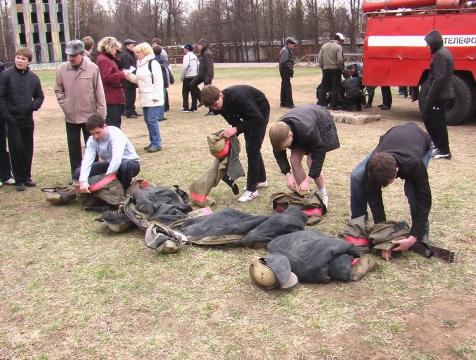 Команда школы на соревнованиях по пожарно-прикладному спорту - Евгений Георгиевич Шумилов