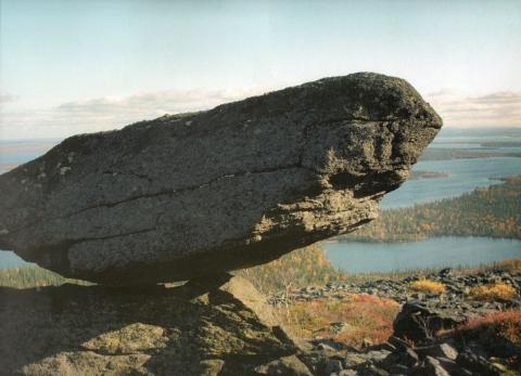 летучий камень озера ЛОВОЗЕРО