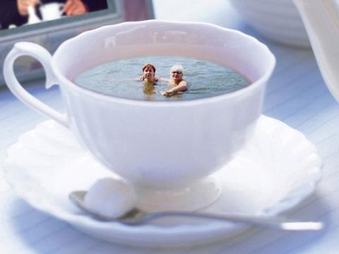 Кому море по колено, кому чашка - море - Клуб любителей фотошоп