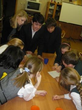 Учащиеся 8-го класса должны были подготовить с 4 классам небольшой рассказ о Дне Независимости Финляндии на финском языке - Средняя школа № 23 с углублённым изучением финского языка