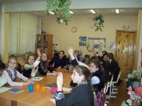 Выпускник 2003 года отвечает на вопросы учащихся 6-го класса - Средняя школа № 23 с углублённым изучением финского языка