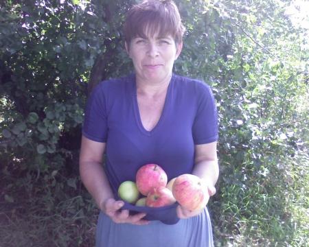 Яблоками угощу!!!