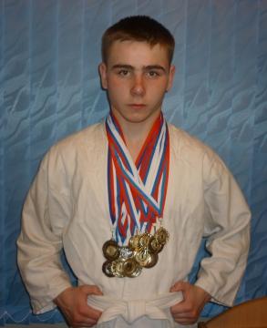 Наш старший - Дмитрий - четырехкратный чемпион Кировской области по рукопашному бою - Татьяна Николаевна Долгих