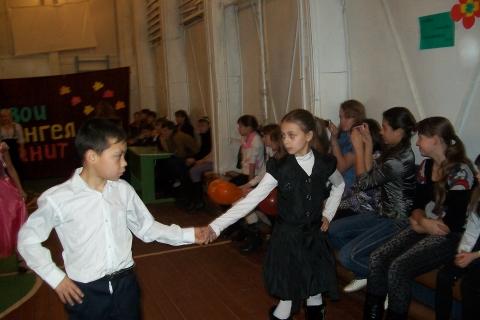 Вальс для мам - Муниципальное общеобразовательное учреждение Усть-Уйская средняя общеобразовательная школа