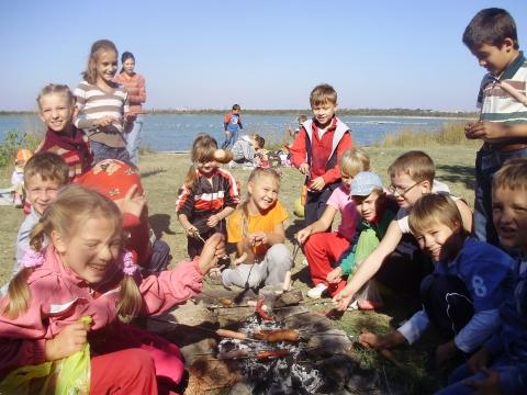 Поход на озеро Мойнаки в День физкультурника - Школа №2