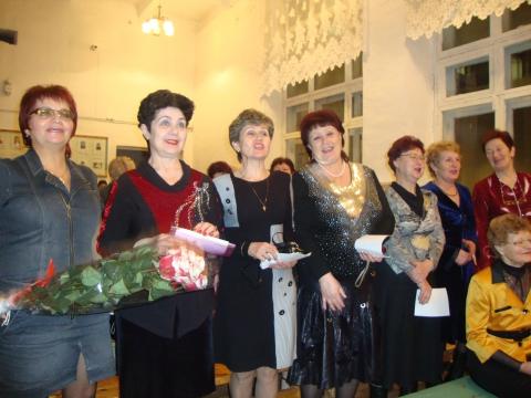 Выпускницы далёкого 1966 года - Муниципальное образовательное учреждение Северокоммунарская средняя общеобразовательная школа