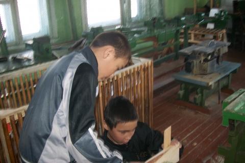 В школьной мстерской - Муниципальное общеобразовательное учреждение Усть-Уйская средняя общеобразовательная школа