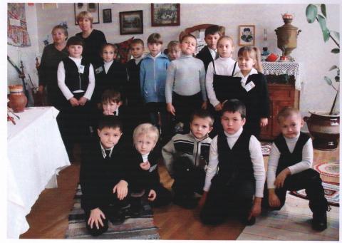 В школьном музее - Ирина Александровна Гавриленко
