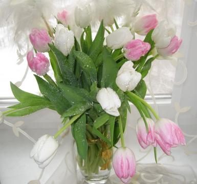 тюльпаны в вазе - Надежда Андреевна Тихонова