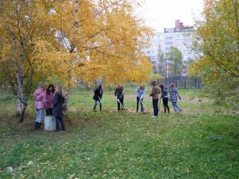 Осенний субботник 2010 - 3 - ГБОУ Школа № 268 Невского района Санкт-Петербурга