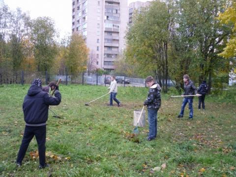 Осенний субботник 2010 - 5 - ГБОУ Школа № 268 Невского района Санкт-Петербурга