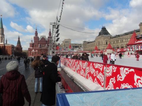 Каток возле ГУМа - Александр Иванович Ронжин