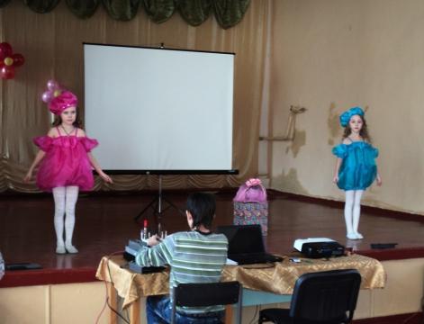 танец `Смешарики`, концерт в школе, посвящённый 8 марта.   - Светлана Владимировна Тхорук