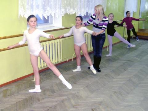 На уроке хореографии - МКОУДОД Богучарская детская школа искусств