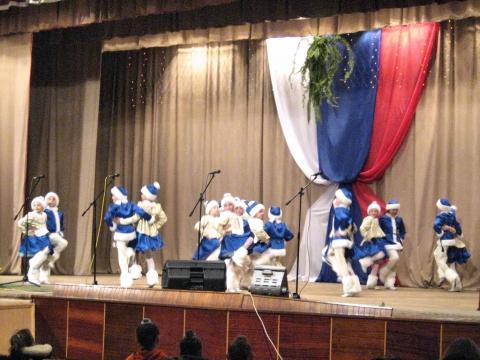 Танец `Зимний хоровод` - МКОУДОД Богучарская детская школа искусств