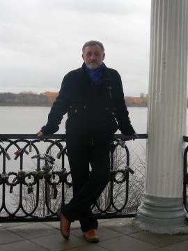 На Волге (Ярославль - родина мамы) - Николай Петрович Почтовалов