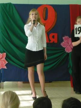 Школьный митинг. - Лилия Анатольевна Гурьянова