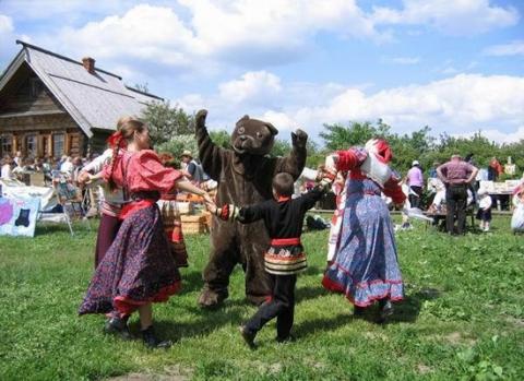 Знаменитый промысел на Урале, который начал развиваться с середины XVIII века в Нижнем Тагиле и Невь - Андрей Анатольевич Горнов