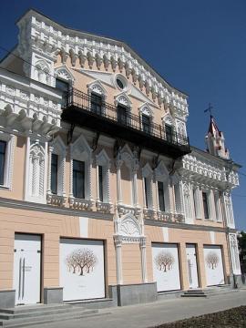Здание старинной постройки - Марьяна Федоровна Рженичева