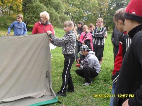 установка палатки - Муниципальное образовательное учреждение `Гдовская средняя общеобразовательная школа`