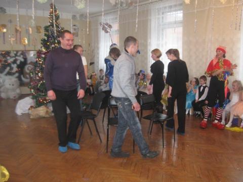 Участие родителей в Новогоднем празднике. - Конкурс фотографий `Физкульт-ура` для специалистов по физической культуре дошкольников