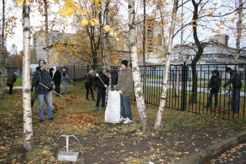 Субботник 2011 - 1 - ГБОУ Школа № 268 Невского района Санкт-Петербурга