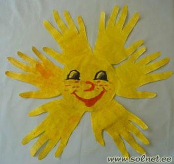 Рисуем солнышко своими руками - Открытка для бабушки на 8 марта из бумаги своими руками