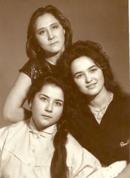 Айзалия Нигматова, Альбина Валиахметова , Илюза Сафина, Уфа, РСХШИ, 1990 год - Илюза Таджиковна Кривицкая