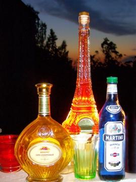 Бутылки на восходе - Александр Владимирович Серолапкин
