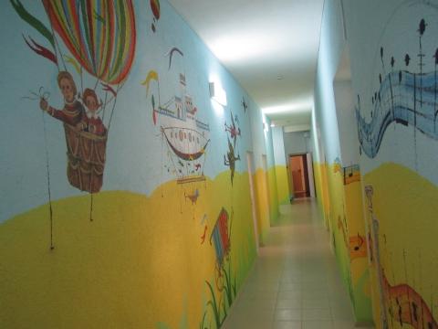 Коридор в детском саду фото